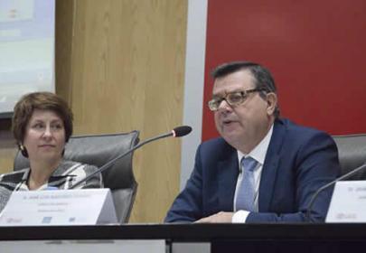 D. José Luis Martinez Donoso, director general Fundación ONCE. Dña. Mercedes Garcia, representante SAPDU-RUNAE Asuntos estudiantiles de la CRUE (Conferencia de Rectores de las Universidades Españolas.)